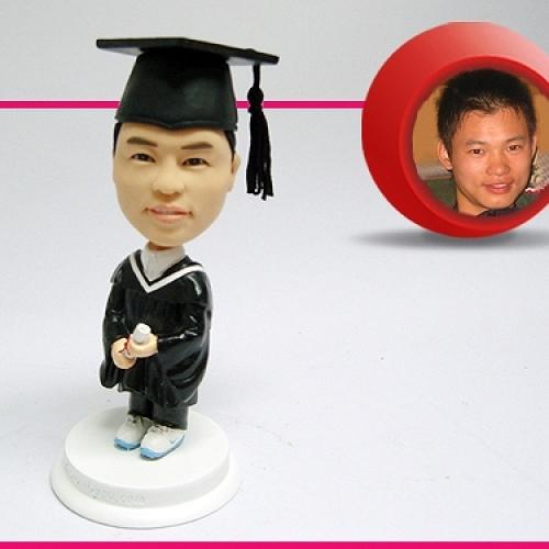 statuine personalizzate da foto laureato in resina