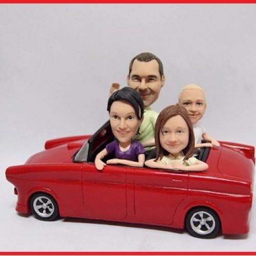 statuine personalizzate da foto famiglia in auto