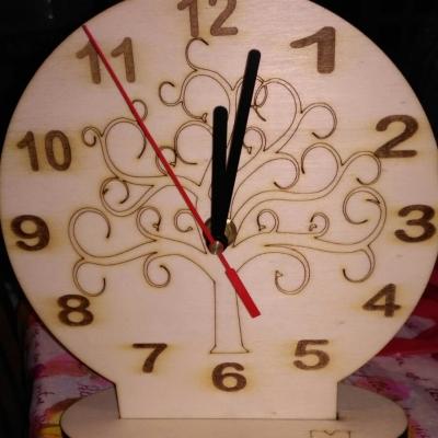 idea bomboniera orologio in legno con albero della vita per cerimonie