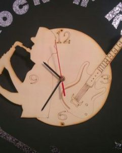 orologio-legno-parete-tema-rock-jazz