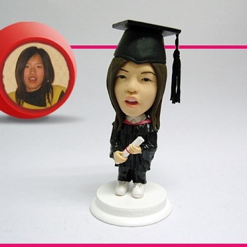 statuine-personalizzate in resina laureata