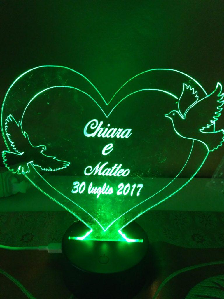 regalo di San Valentino led colorati per un illuminare il cuore con colombe in plexi