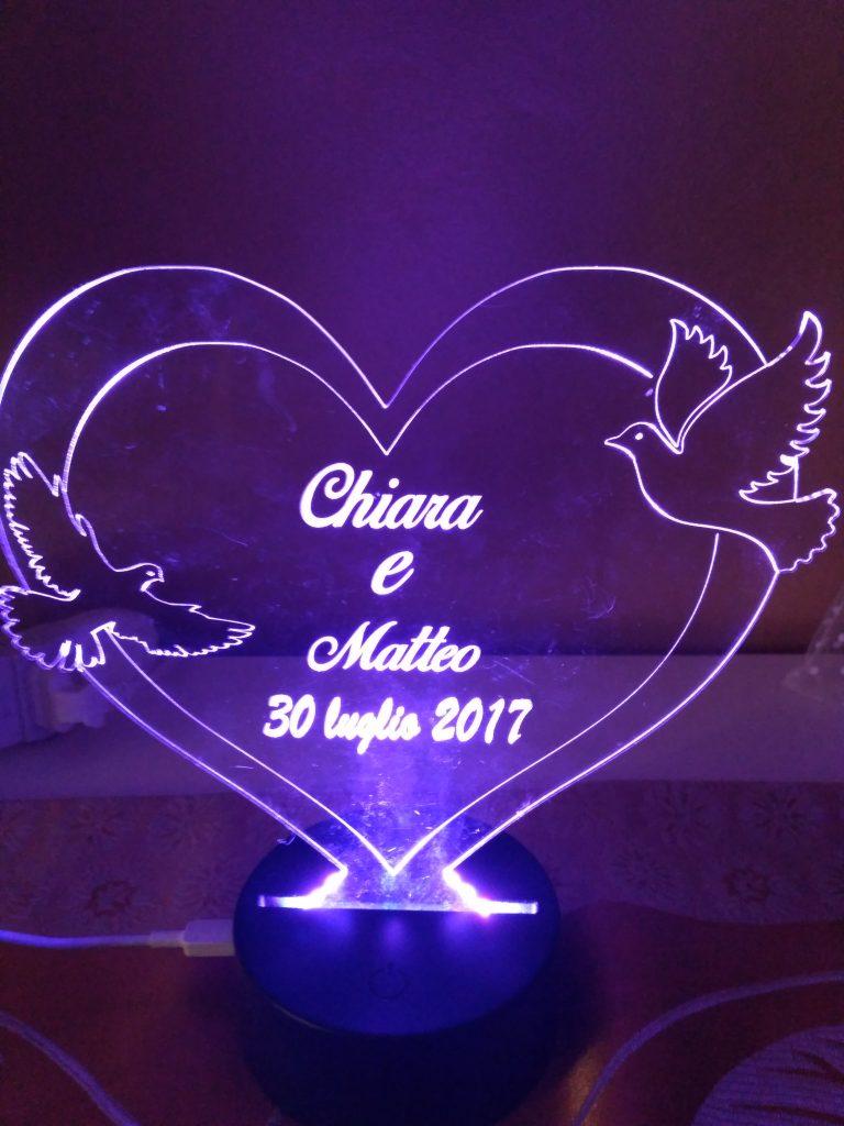 regalo per san valentino lampada a led cuore in plexi con colombe personalizzato