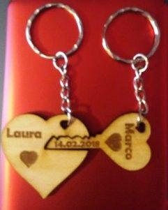 portachiavi in legno per San Valentino doppio chiave e cuore