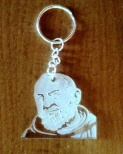 portachiavi in plexi trasparente di Padre Pio