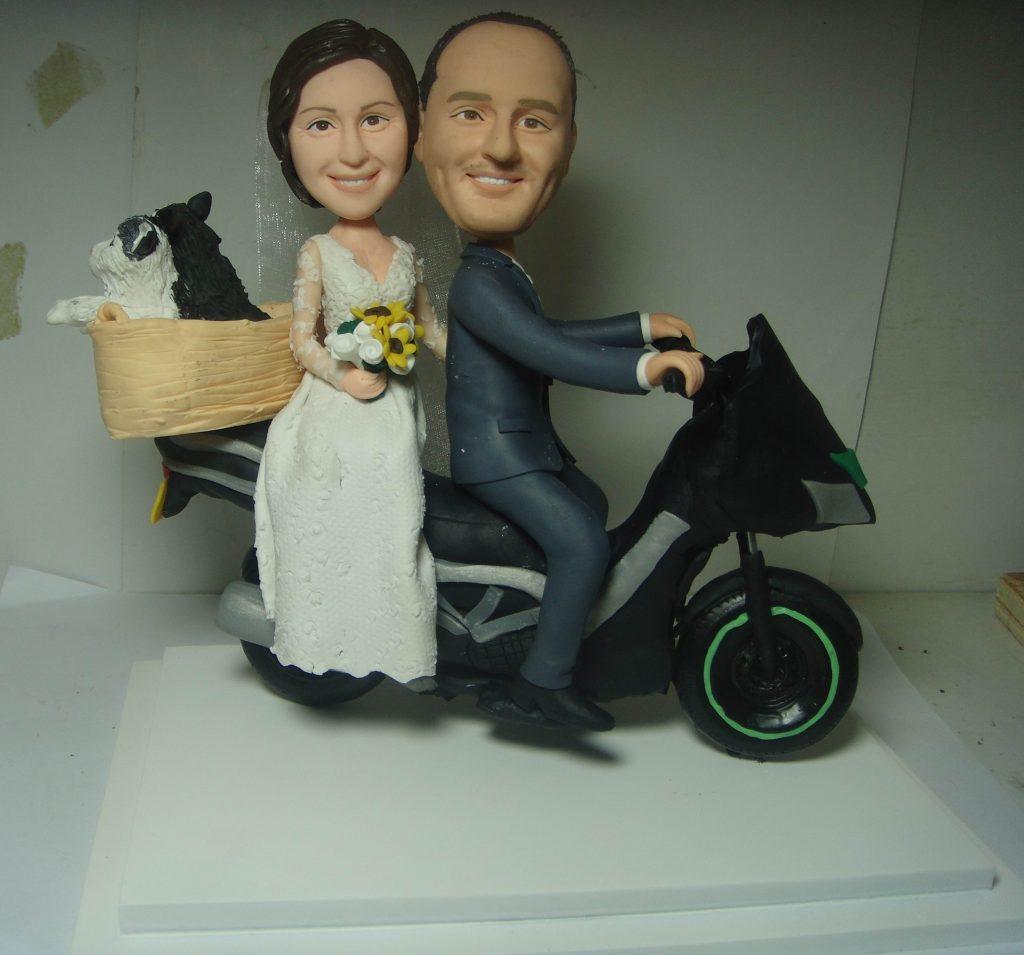 statuine personalizzate sposi su moto