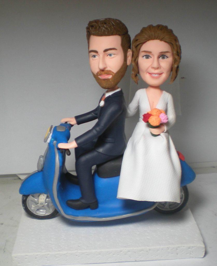 statuine personalizzate di Sposi su Vespa