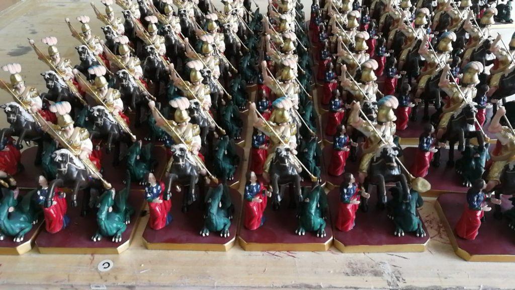 statuine sacre in serie di San Giorgio