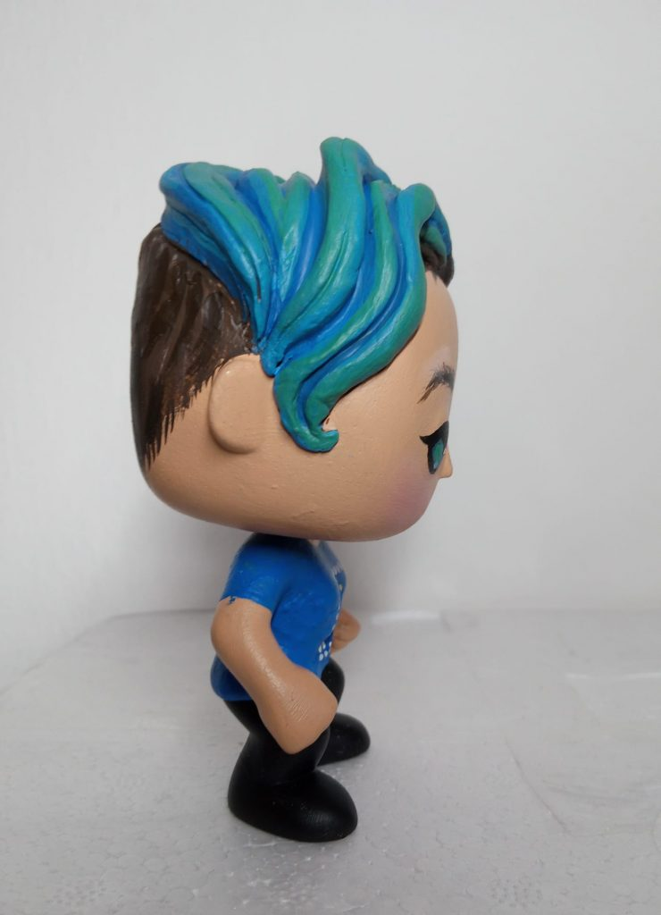 funko personalizzato con particolare dei capelli